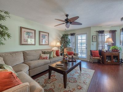 Photo for Beautifully decorated townhome located in lovely Indian Rocks Beach!