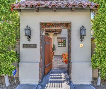 Photo for Luxury estate home in historic celebrity enclave