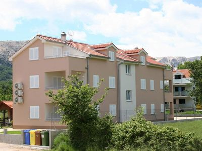 Photo for Apartment for 5 people with air conditioning and garden with grill