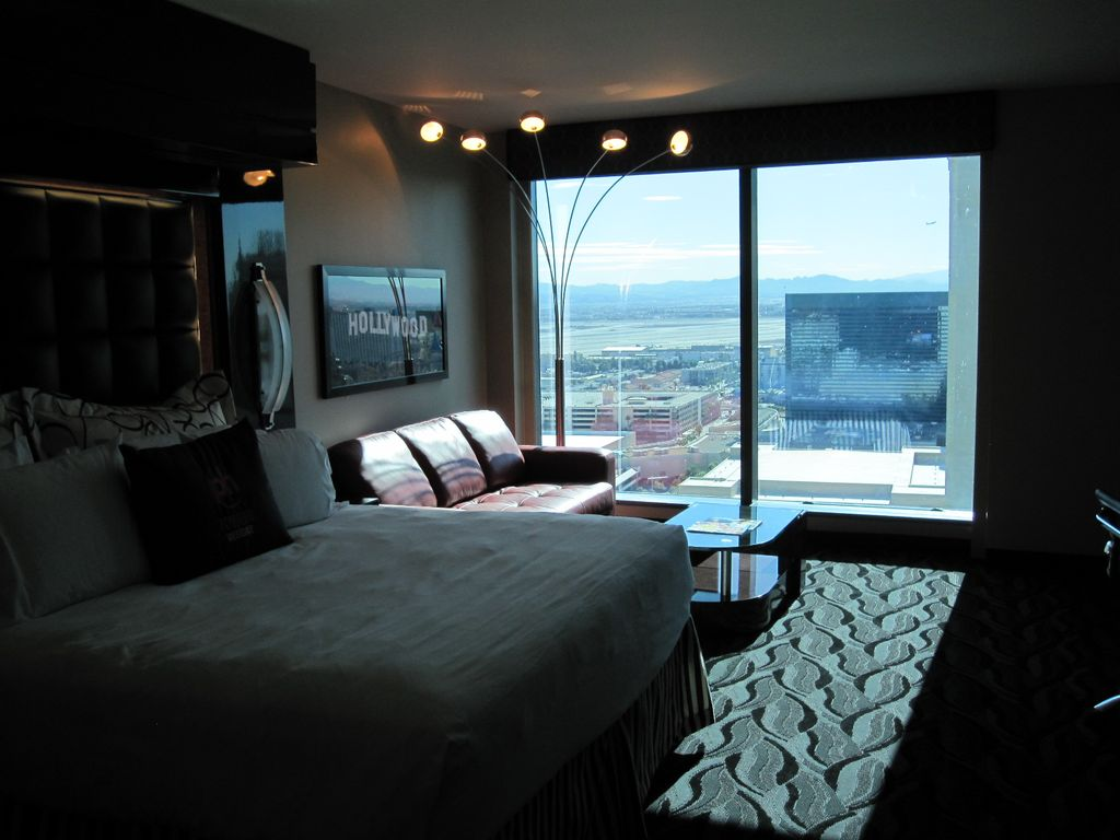 Planet hollywood towers 2 bedroom suite