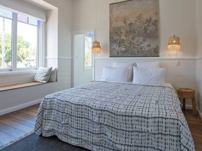 Photo for Palmiers Byron Bay - luxe accomodation in central Byron Bay position
