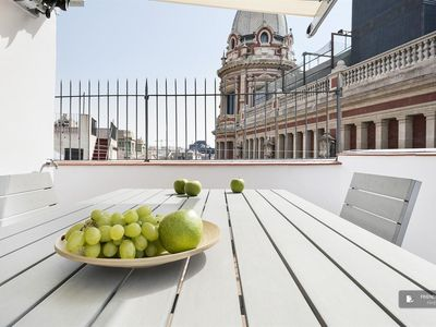Photo for Friendly Rentals The STA Anna Atico apartment in Barcelona