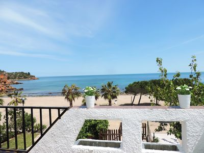 Photo for Seafront villa with direct acces to the beach