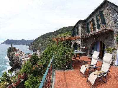 Photo for House in Vernazza with terrace and garden overlooking the sea