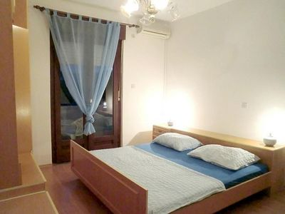 Photo for One bedroom apartment with balcony and sea view Banjol, Rab (A-16645-c)