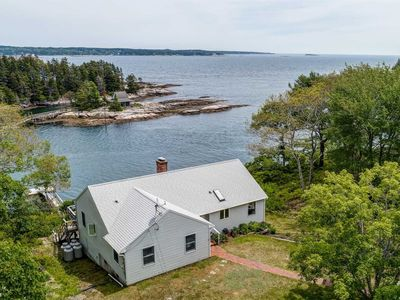 Photo for 3 Bedroom, 2 Bath Waterfront Cottage  Georgetown Maine