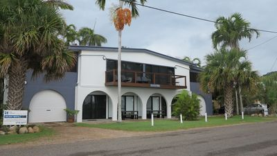 Photo for 1BR Apartment Vacation Rental in Nelly Bay, Queensland