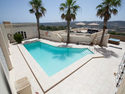 Photo for Villa In Campagnia, with a panoramic view, Pool, Air Conditioning and Jacuzzi