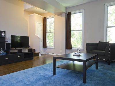 Photo for Grand 3BR in Roscoe Village by Sonder
