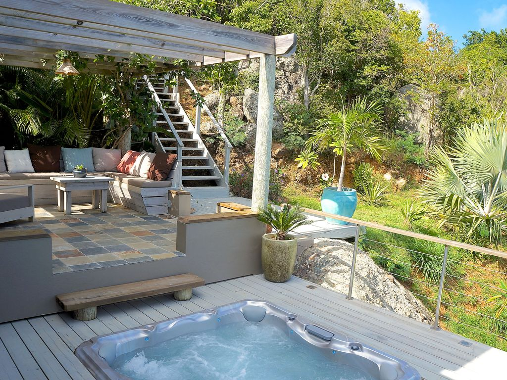 Cooten House: Stylish, Secluded, Hot Tub and Amazing Views - 303092