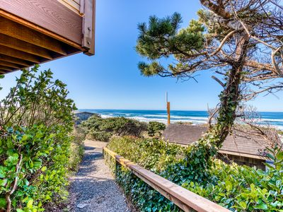 Photo for Comfortable oceanfront cottage w/ easy beach access - dogs ok!