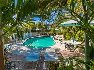 Photo for Sand 'n Sea Beach Flats 109B: Large Heated Pool, Only 50 Steps To The Beach