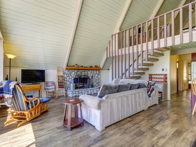Photo for Beautiful Lake Arrowhead A-Frame w/ large balcony - minutes from the village