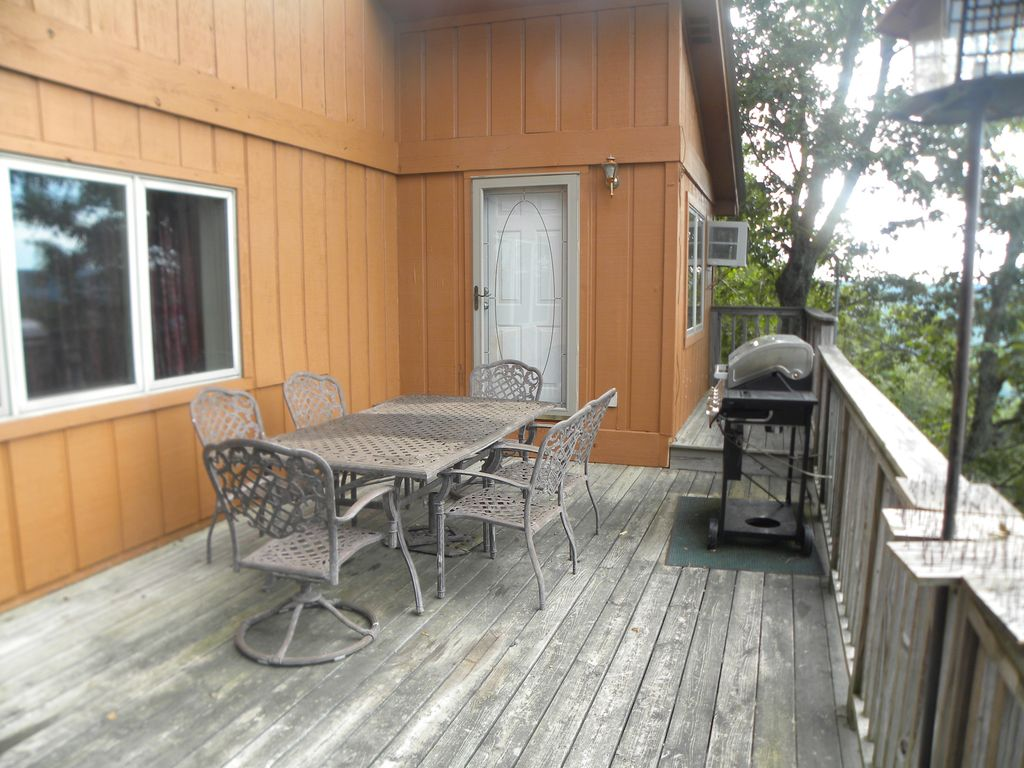 LAST MINUTE SAVINGS!!! 2 NIGHTS 3rd NIGHT FREE M-Th. CONTACT OWNER FOR DETAILS