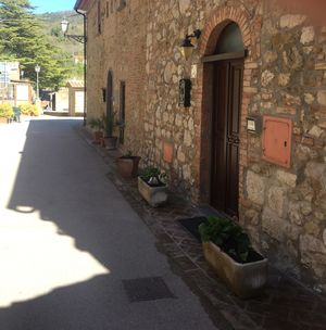 Photo for Da Monica: self-contained apartment set in the ancient village of Canneto