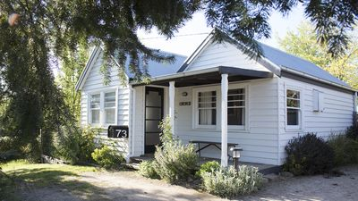 Photo for Pet friendly cottage in the heart of Daylesford