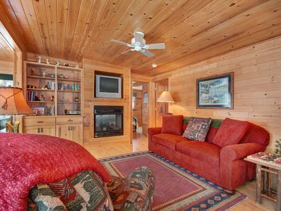 Photo for Cozy waterfront cabin w/ a gas fireplace & full kitchen - close to town!