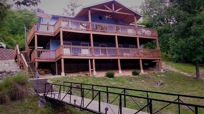 Photo for Cozy and Private 4BR Lakefront Family  Home W/Wi-Fi In Quiet Cove Sleeps 11