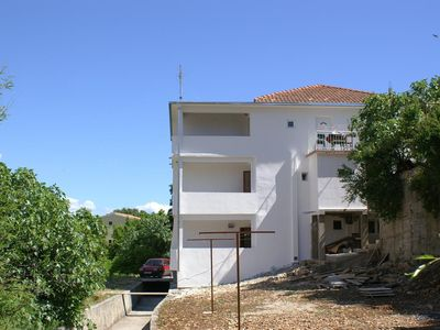 Photo for Studio flat near beach Drvenik Donja vala (Makarska) (AS-2732-c)