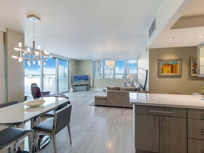 Photo for HUGE LUXURY 1 BEDROOM BAYFRONT SUITE APARTMENT - DOWNTOWN MIAMI - BRICKELL