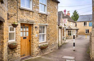 Photo for Inglenook Cottage is a beautiful Cotswold stone cottage in stunning Bourton-on-the-Water