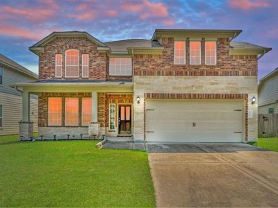 Photo for Beautiful curb appeal with modern interior.