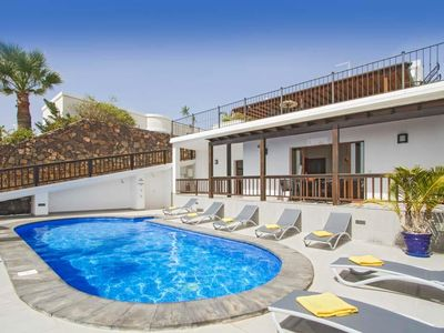 Photo for 5 bedroom Villa, sleeps 10 in Puerto del Carmen with Pool, Air Con and WiFi