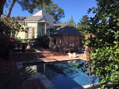 Best Location!  Sleeps 4, two blocks to French Quarter