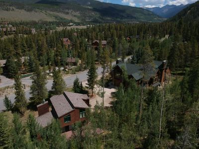 Photo for Sleeps 22 Keystone Gulch Retreat 3 car garage, hot tub, 1 mile from RR by SummitCove Lodging