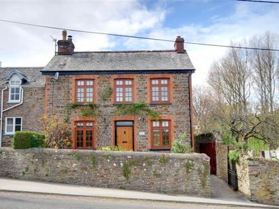 Photo for Little Combe - Two Bedroom Cottage, Sleeps 4