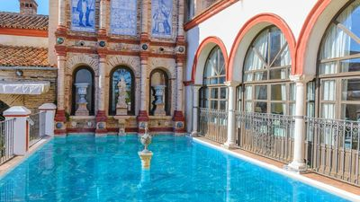 Photo for 18-people luxury villa in a palace in Seville province