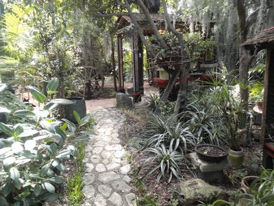 Romantic cottage for two in beautiful garden. Close to beach