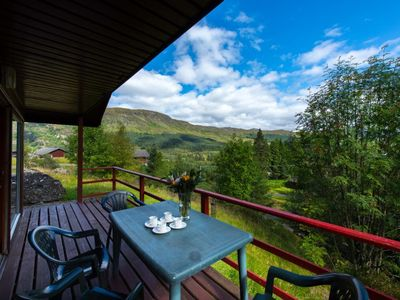 Photo for Beautiful 4 star 2 bedroom chalet with stunning loch and mountain views