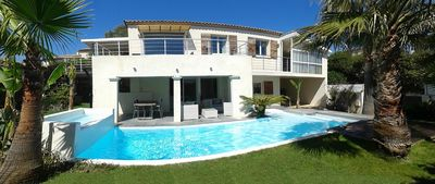 Photo for Villa 190m² 8 people, heated pool, exceptional views, exotic garden