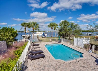 A pool overlooking the bay - If you love the water, Delmar Flamingo is for you. As well as being just a stroll from the beach, you'll have access to a pool, a dock, and a pier on the bay. Bring your boat and fishing gear!