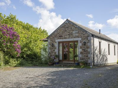 Photo for Cosy and stylish retreat for two, in tranquil, rural location.