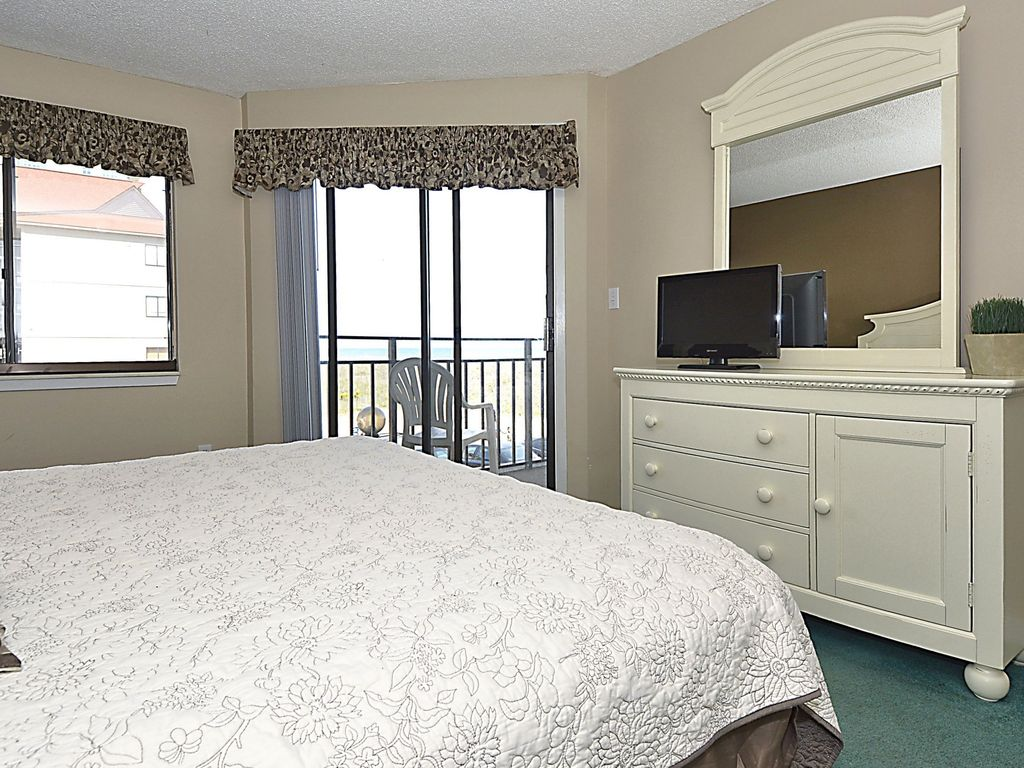 3 Bedroom Direct Oceanfront Condo Wifi Swimming Pool Motorcycle Friendly North Myrtle Beach