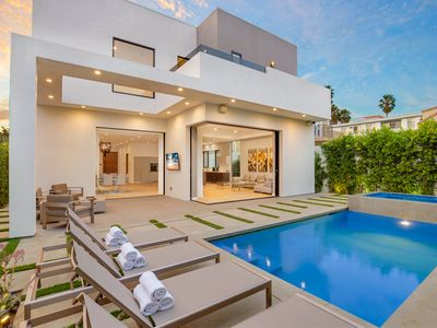 Photo for Beverly Crescent Luxury Villa
