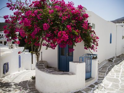 Photo for Beautiful traditional house in Paros