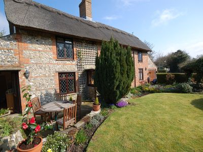 Photo for Detached Thatched Cottage In The Village Of Carisbrooke