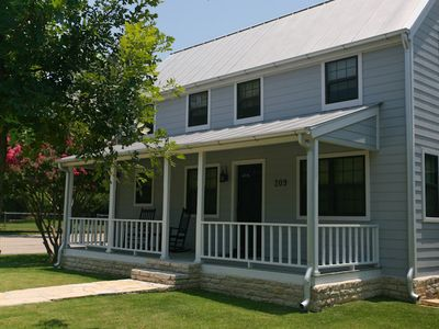 Photo for Absolutely Charming Acorn House Spacious 1/1 Private Cottage in town!