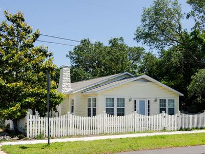 Photo for Cozy 3 bedroom pet friendly house in the heart of Carolina Beach