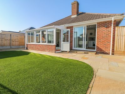 Photo for FORESTBAY, family friendly in Barton On Sea, Ref 950702