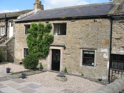Photo for Traditional Dales Cottage with stunning views,