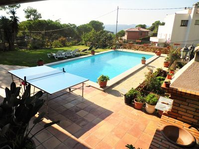 Photo for Villa with private pool, ping-pong, barbecue, 8-10 px