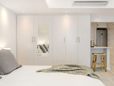 Photo for Modern studio apartment on the Camps Bay beachfront