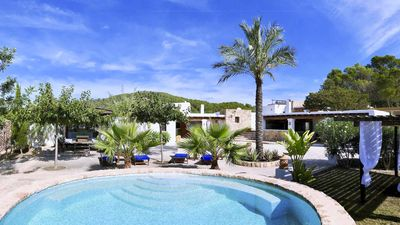 Photo for 7 bedroom Villa, sleeps 12 with Pool, Air Con and FREE WiFi