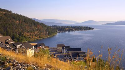 Photo for Three Bedroom- Sleep 9 Partial View of the Okanagan lake,  Kelowna BC