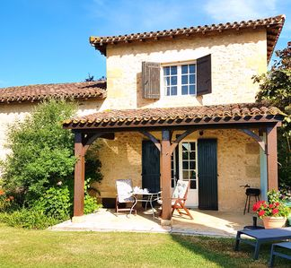 Photo for Delightful Dordogne Self Catering Cottage,Edward's Tower, adults only, 2 pools.
