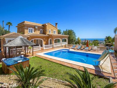 Photo for Villa Malie - Luxury villa with private pool and sea views in Calpe
